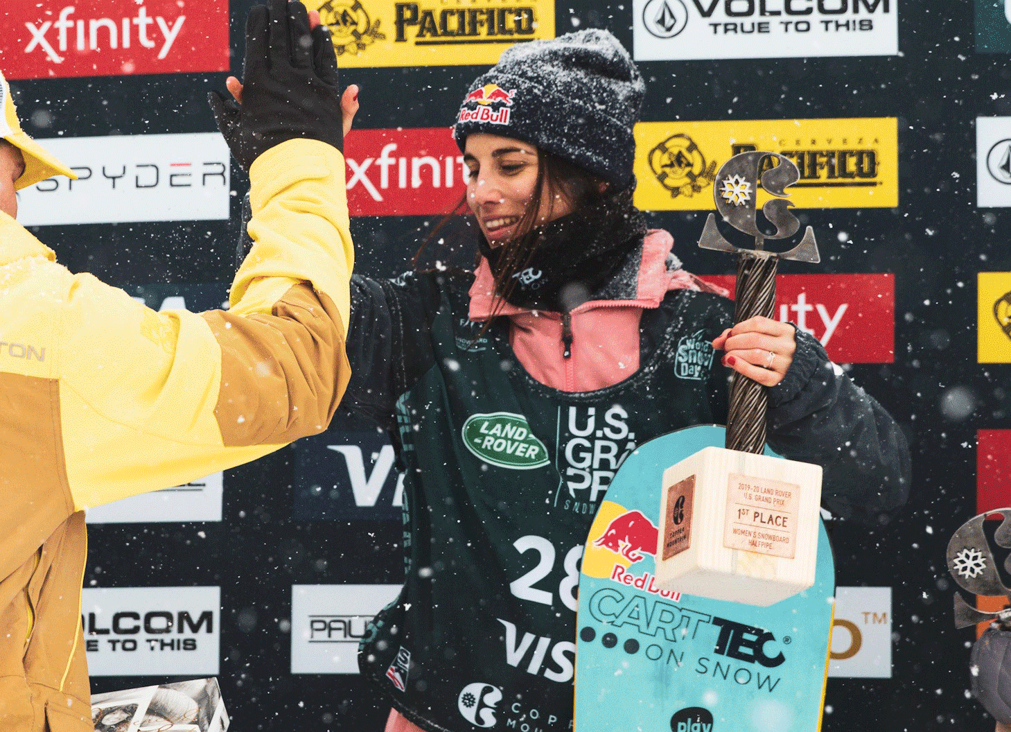 Snowboarder Queralt Castellet takes the Carttec brand all over the world