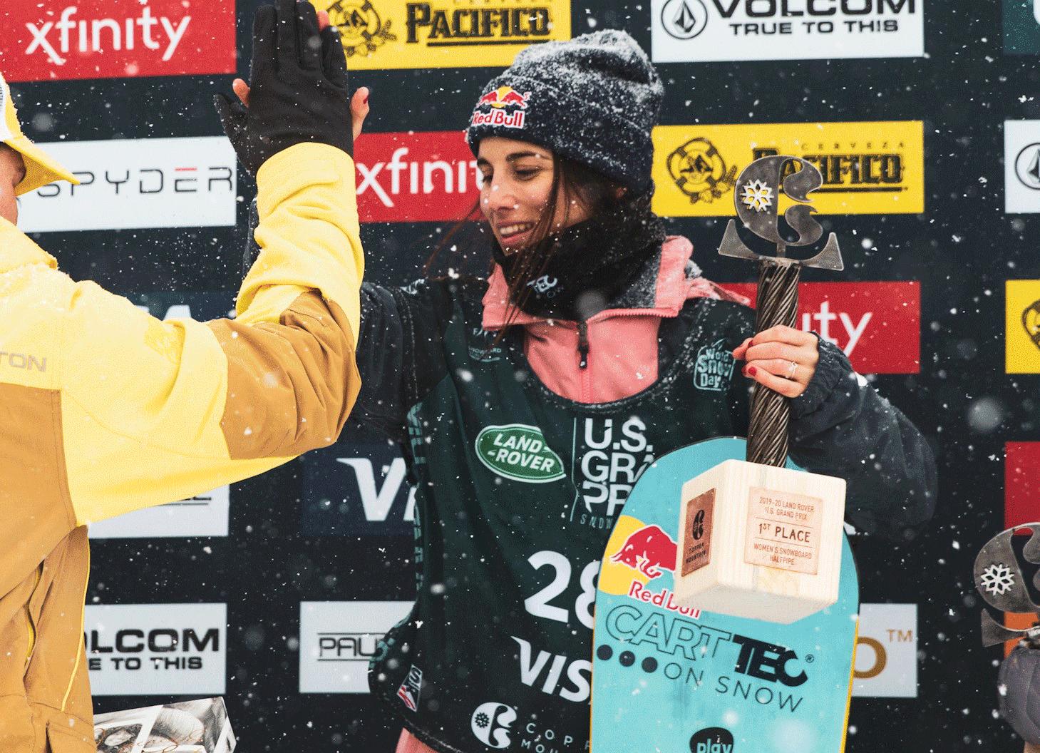 La snowboarder Queralt Castellet con la marca Carttec por todo el mundo